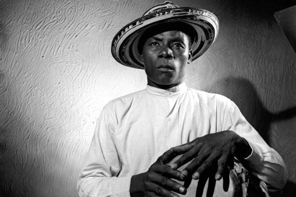 Músico percusionista tradicional vallenato